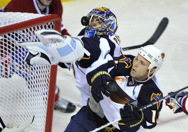 Atlanta Thrashers jäi Rob Schrempin viimeiseksi NHL-seuraksi. Yhdysvaltalaiskeskushyökkääjä teki 114 runkosarjaottelussa pisteet 20+34=54.