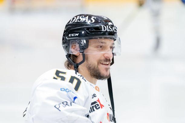 Juhamatti Aaltonen nautti Kärpissä päästyään pelaamaan vanhojen kaverien kanssa.
