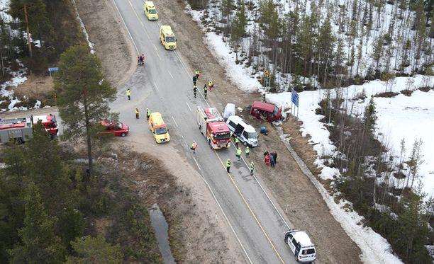 Onnettomuuspaikka Muonion eli pohjoisen suunnasta.