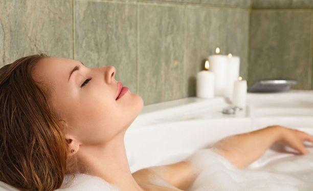 Tutkimuksen mukaan kylpeminen kannattaa.