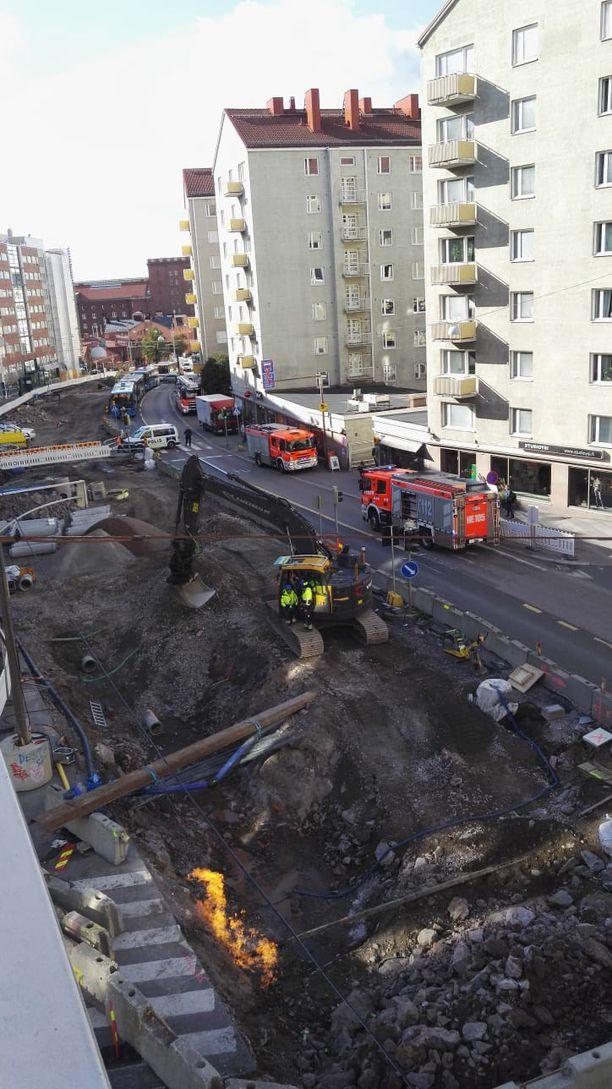 Kaasuvuoto sulki hetkellisesti Hämeentien Helsingin Sörnäisissä keskiviikkona.