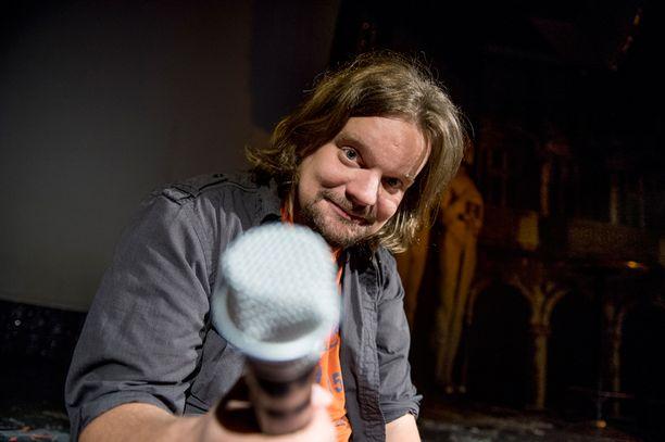 Festivaalin odotetuimpia esiintyjiä on Ismo Leikola.