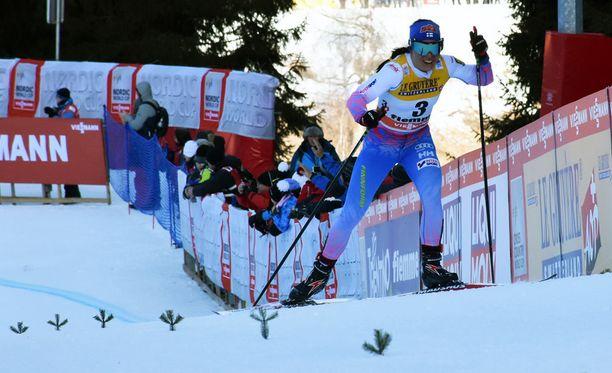 Krista Pärmäkoski oli Tour de Skin loppunousun osuusajoissa seitsemänneksi nopein. Kiertueen kokonaistilanteessa hän oli toinen.