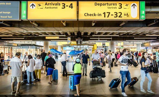 Schipholin lentokentällä on peruttu tänään ainakin 260 lentoa.