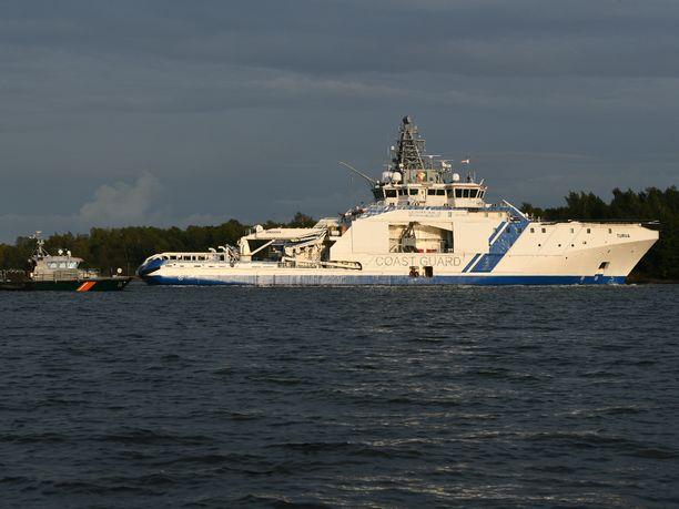 Merivartioston vartiolaiva Turvan partiovene joutui juhannuspäivän iltana onnettomuuteen, jossa menehtyi yksi ihminen. Arkistokuva.