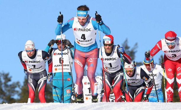 Sergei Ustjugov (4) ei tavoittanut Norjaa viestin ankkuriosuudella ja Venäjä jäi kisassa toiseksi.