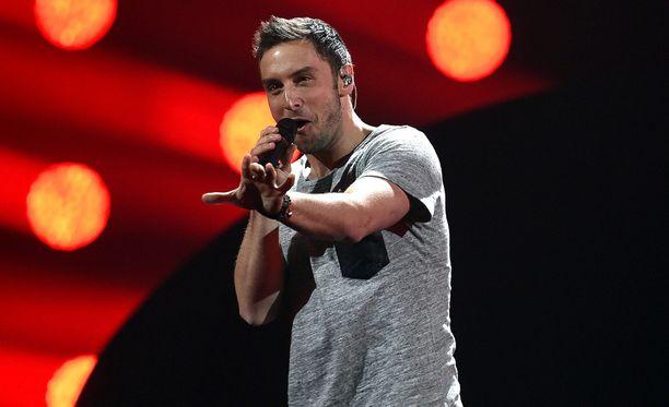 Ruotsin edustaja on Måns Zelmerlöw kappaleellaan Heroes.