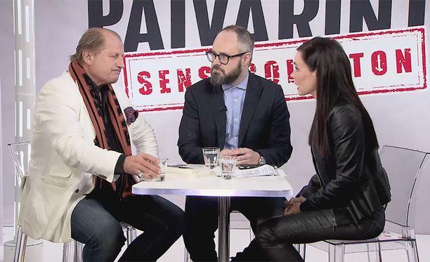 """Juhani Tamminen syytti Tuomas Enbuskea """"henkilövittuilusta""""."""