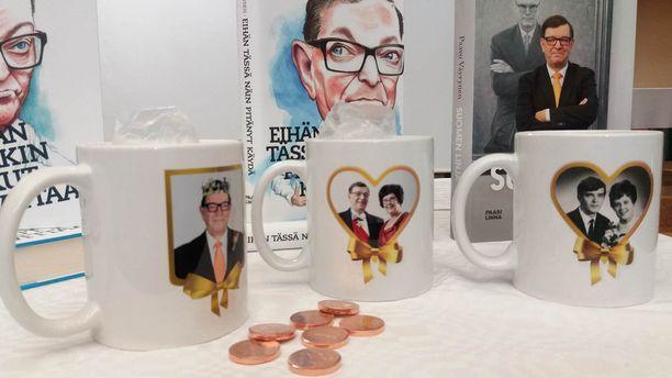Vuoden 2012 presidenttivaalien kampanjatuotteista muistetaan parhaiten juuri Väyrysen Paavo ja Vuokko -mukit.