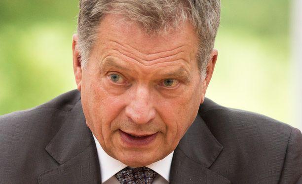 Presidentti Sauli Niinistö nappasi kutsuvierasyleisölle tarkoitetun mikrofonin ja esitti täsmäkysymyksen Natosta Venäjän entiselle valtiovarainministerille Aleksei Kudrinille.