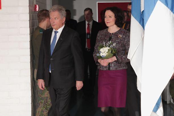 Presidentti Sauli Niinistö ja rouva Jenni Haukio saapuivat Kaunialan sairaalan juhlaan.
