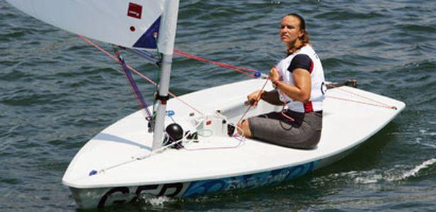 Purjehtija Petra Niemann kilpailee kolmansissa olympialaisissaan.