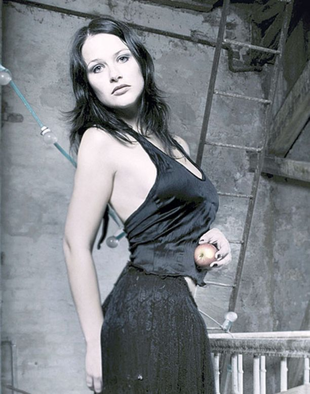 Vibeke Stene kieltää norjalaisessa VG-sanomalehdessä olevansa Nightwishin uusi laulaja.