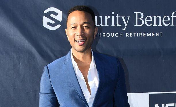 Laulaja John Legendillä ja malli Chrissy Teigenillä on kaksi lasta.