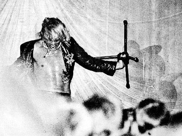 Ison D:n lavakarismaa kesällä 1970.
