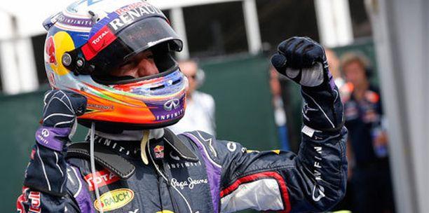 Daniel Ricciardo juhli uransa ensimmäistä voittoaan.
