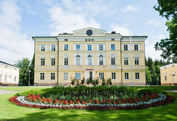 Vuojoen kartanon päärakennus on C.L. Engelin suunnittelema.