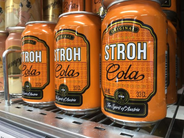 Stroh Cola saapui kauppojen hyllyille.