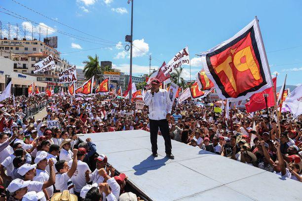 Andrés Manuel López Obrador on ennakkosuosikko Meksikon presidentinvaaleissa.