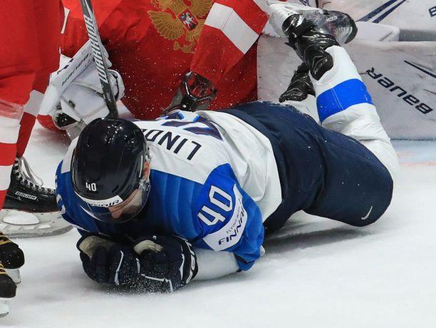 Petteri Lindbohm sai mailasta naamaansa ja joutui poistumaan pukuhuoneeseen ennen ensimmäisen erän loppua.