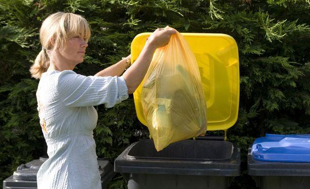 Syömäkelpoista ruokaa menee suuret määrät roskiin.