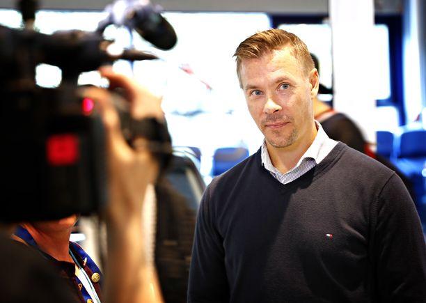 Kalle Sahlstedt toimi ennen Lukko-pestiään Turun Seudun Urheiluakatemian jääkiekkolehtorina.