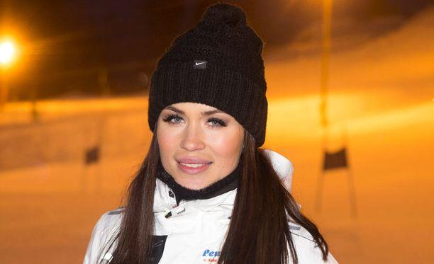 Martina aikoo lomailla ennen luotsaamansa Miss Helsinki 2014 -kilpailun loppukoitoksia.