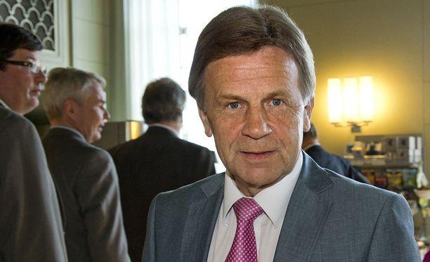 Mauri Pekkarinen kertoo, että yritystukiuudistuksesta ei päästy sopuun.