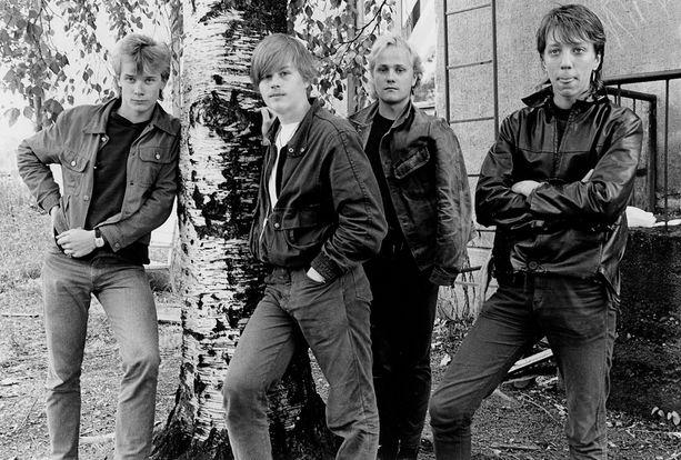 NeljÀ Ruusua Joensuussa 1980-luvun lopussa.