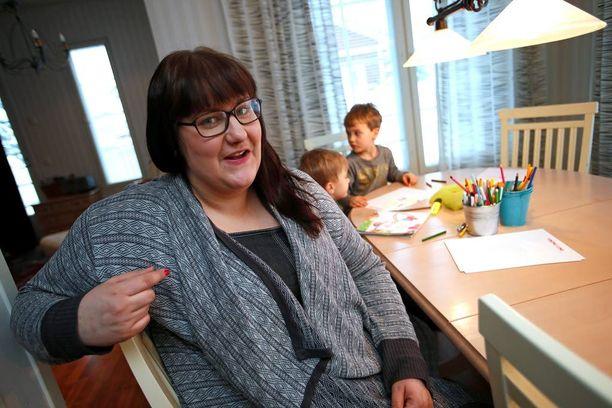 """Rämön perheen uudesta kodista Susannan sanojen mukaan """"juuri sennäköinen kuin tulee"""" heidän saamillaan lahjoituksilla."""