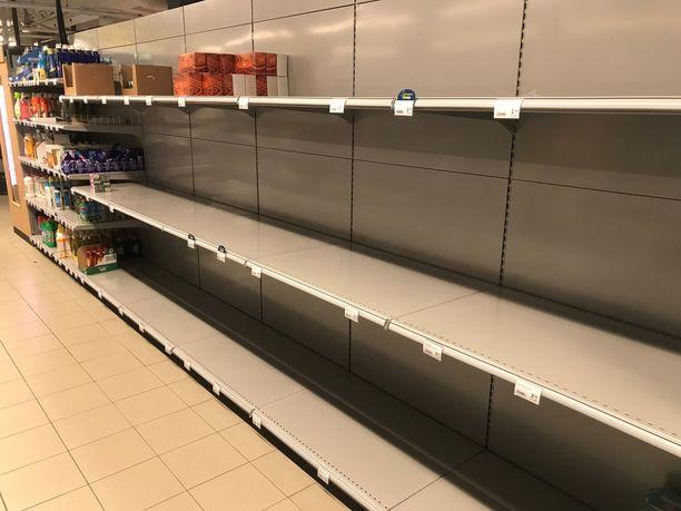 Vessapaperi loppui eilen monista kaupoista. Kuva kaupasta Helsingin arvoalueella.