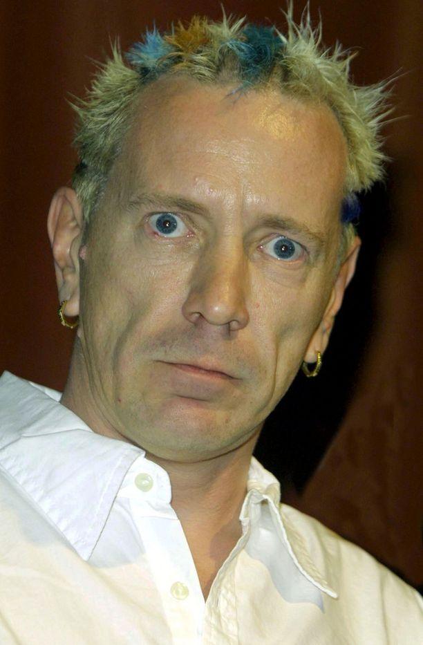 Näin hyvässä kunnossa Johnny Rotten oli vielä vuonna 2002.