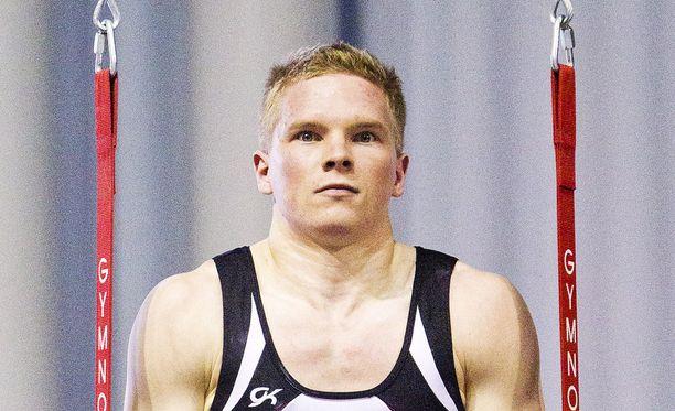 Tomi Tuuha renkailla SM-kisoissa 2013.