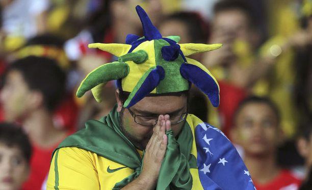 Brasilialaiset joutuivat hakemaan lohtua yläilmoista.