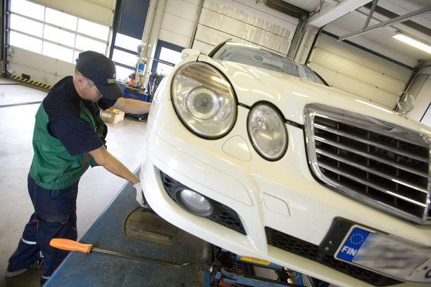 Auto pitää katsastaa uudelleen, jos haluaa korjauskehotuksen pois rekisteriotteen tiedoista.