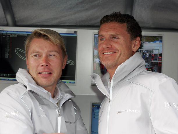 Mika Häkkinen ja David Coulthard ajoivat usean vuoden ajan tallitovereina.