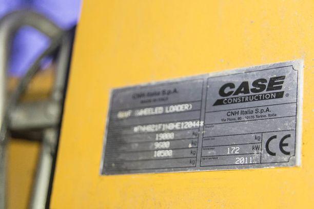 Pyöräkuormaajan valmistusvuosi olikin 2011.