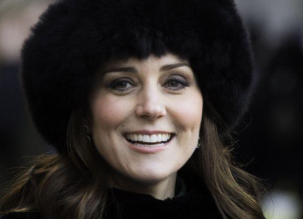 Herttuatar Catherine avioitui prinssi Williamin kanssa keväällä 2011. Herttuatar on tuttu näky erilaisissa edustustilaisuuksissa ja hyväntekeväisyystapahtumissa.
