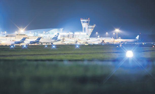 Finavia ylläpitää ja kehittää esimerkiksi Helsinki-Vantaan lentoasemaa.