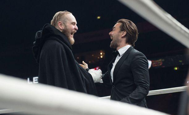 Robert Heleniuksella ja Mikko Leppilammella oli hauskaa.