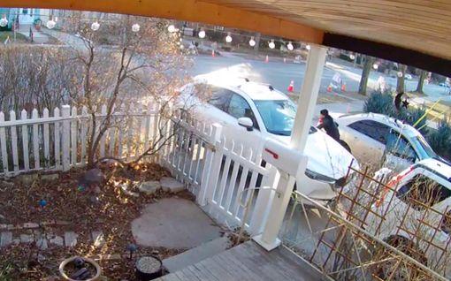 Vain 22 sekuntia! Näin nopeasti amerikkalaisnaisen auto varastettiin - katso videotallenne