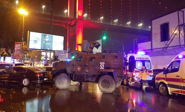 Turkin Istanbulissa uudenvuoden yöllä tehdyssä iskussa kuoli ainakin 39 ihmistä, joista ainakin 15 on ulkomaalaisia.