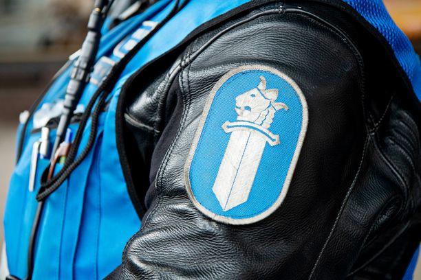 Tuomittu voi joutua pakkopalautuksen kohteeksi. Palautusten toimeenpanosta vastaa Suomessa poliisi.