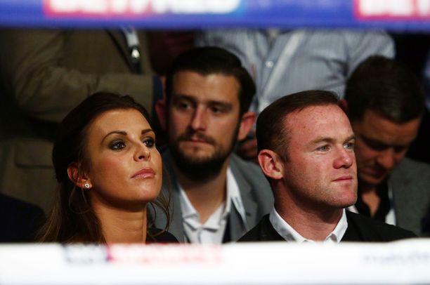 Coleen ja Wayne Rooney selvittelevät asioita, mikäli brittilehdistöä on uskominen.