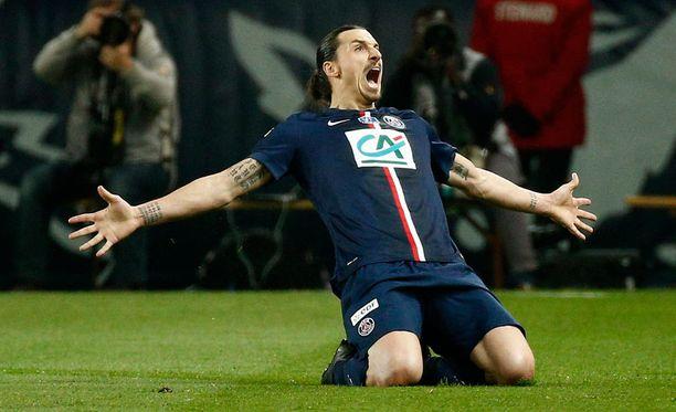 Zlatan Ibrahimovic iski hattutempun eilen Saint Etiennen verkkoon.