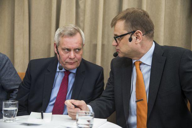 Rinne ei silitellyt puheessaan pääministeri Juha Sipilän (kesk) johtaman hallituksen toimintaa.