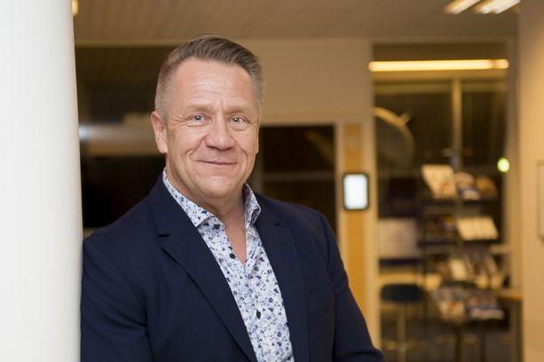 Olli Lindholm lomaili Dubaissa ja Kanarialla The Voice of Finland -kuvausten lomassa.