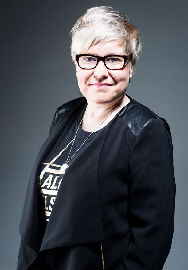 Aitous voitti koneiston, kirjoittaa Iltalehden Mari Pudas.