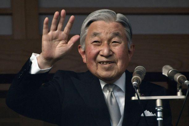 Keisari Akihito voi luopua vallasta ensi vuonna.