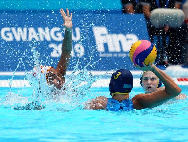 Vesipallon MM-kisat pelataan uinnin MM-kilpailujen yhteydessä Etelä-Korean Gwagjussa. Kuva Espanjan ja Kazakstanin kohtaamisesta.